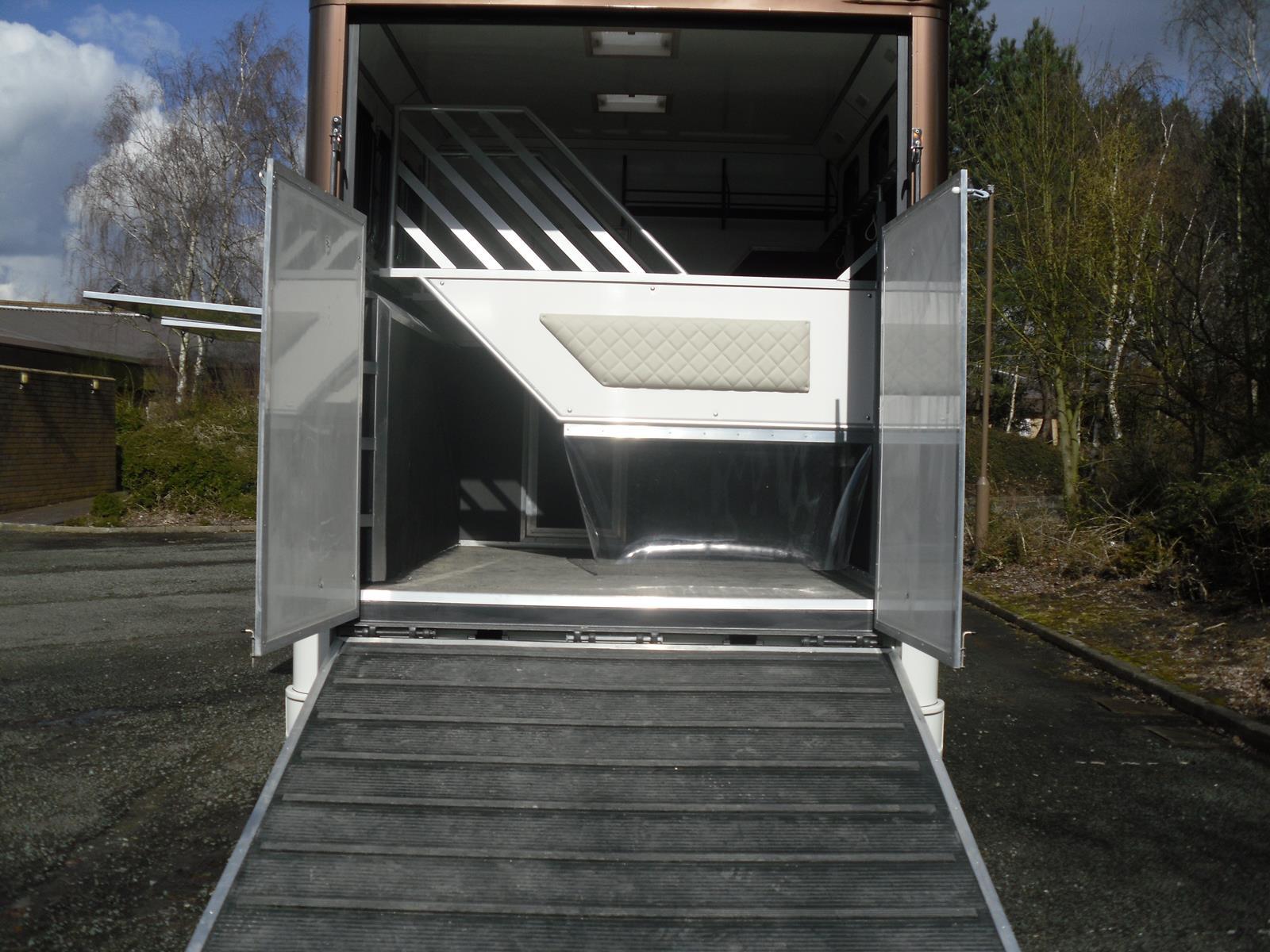 2006 Renault Midlam 7 5 Ton New Coach Build 2013 Horsebox